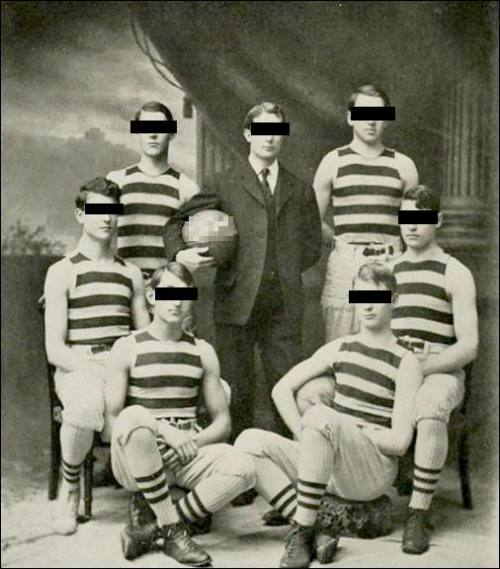 1904 team Public Domain